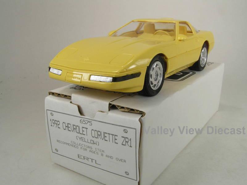 PROMO - AMT 1992 CORVETTE ZR-1 YELLOW NEW IN ORIGINAL BOX Toys