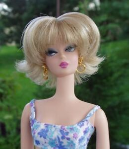 WIG-Barbie-size-4-Claire-Blonde-with-Highlights