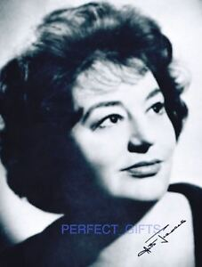 HATTIE-JACQUES-CARRY-ON-SIGNED-AUTOGRAPHED-REPRO-PHOTO-PRINT-matron
