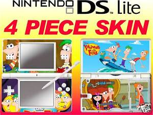 DS-Lite-Phineas-e-Ferb-4-pezzo-ADESIVO-aderente-UK