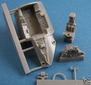 Pavla C72088 1/72 Resin Pilots Cockpit for Airfix Canberra PR9