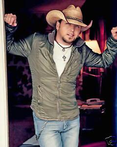 Handsome-Jason-Aldean-in-Jeans-Cowboy-Hat