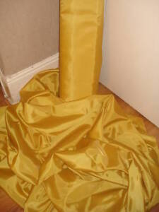 1M-GOLD-POLYESTER-TAFFETA-DELUXE-LINING-60-WIDE