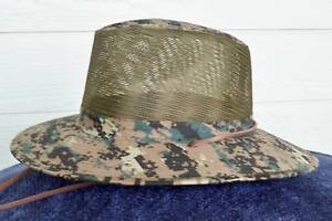CAMOUFLAGE-BREEZER-HAT-WITH-CHIN-STRAP-GREEN-COLOR-NWT-VERY-LIGHT-AND-COOL-S-M