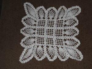 Hand Crocheted Vintage White Pineapple Doily Grandma's Treasures HI-27