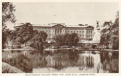 ST. JAMES PARK LAKE - VINTAGE WW2 LONDON POSTCARD