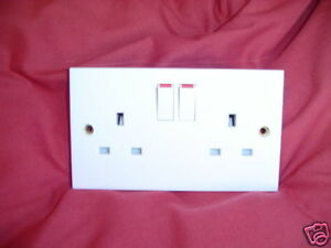 DOUBLE-SWITCHED-SOCKET-13amp-WHITE-QUALITY-GET