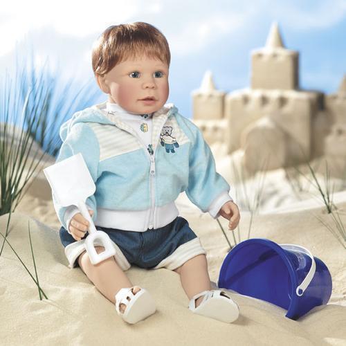 Lee Middleton Dolls Building Sand Castles Case Of Four Dolls, Artist Studio 21