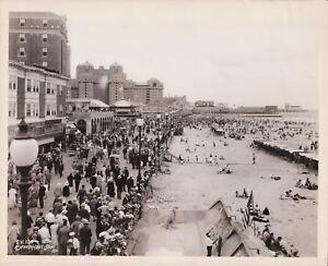 Summer 1934 - Atlantic City, New Jersey Boardwalk - Original News Photograph