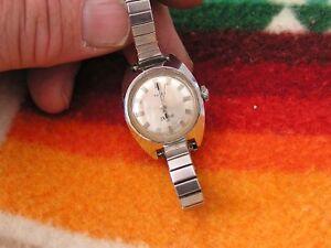 Vintage-Timex-Ladies-Electric-Watch