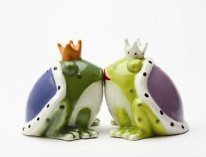 MAGNETIC SALT PEPPER SHAKERS KISS A LOT OF FROGS 8166