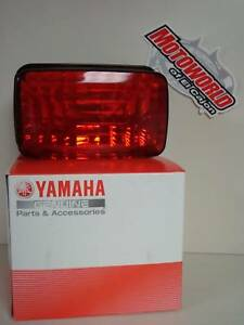 NEW-TAILLIGHT-ASSEMBLY-W-BULB-FOR-04-09-YAMAHA-RHINO