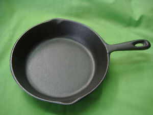 CAST IRON FRYING PAN SKILLET 20cm TOP DIAMETER BRAND-NEW W/HANDLE STRONG ROUND