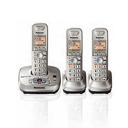 Panasonic-KX-TG4023N-Digital-Cordless-Phone-Answering-System-3-Handsets-1-9GHZ