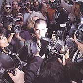 Robbie Williams  Life Thru a Lens CD ALBUM 1998 - <span itemprop=availableAtOrFrom>Swanscombe, United Kingdom</span> - Robbie Williams  Life Thru a Lens CD ALBUM 1998 - Swanscombe, United Kingdom