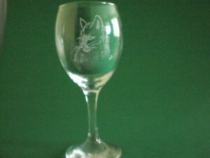Personalised-Gifts-Freehand-Engraved-Wine-Glass-Animals-Cat-Name-Added-FREE
