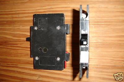 Cutler Hammer Qcr 1 Pole Circuit Breaker 20   30 Amp