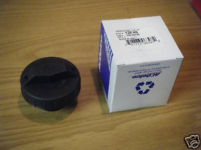 99 00 02 03 04 05 Cadillac Escalade New Gas Fuel Cap GM