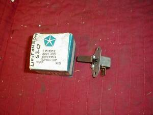 NOS-MOPAR-1960-6-STATION-WAGON-TAILGATE-WINDOW-LIMIT-SW