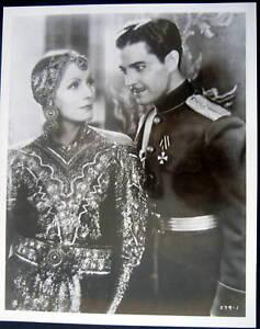 1931-MATA-HARI-GRETA-GARBO-and-Ramon-Novarro-Photo