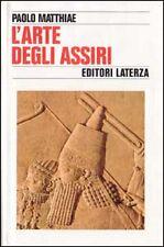 Libri e riviste di saggistica copertina rigida bianca in italiano