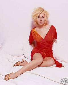 ELISHA-CUTHBERT-8X10-PHOTO-PICTURE-HOT-SEXY-CANDID-35