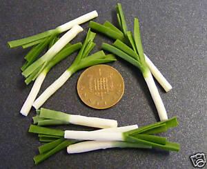 1-12-Scale-4-English-Leeks-Dolls-House-Miniature-Vegetable-Accessory