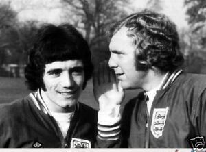 Kevin-Keegan-Bobby-Moore-England-Legends-10x8-Photo