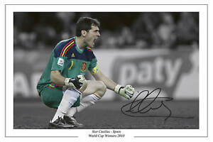 IKER-CASILLAS-SPAIN-WORLD-CUP-WINNER-SIGNED-PHOTO-PRINT-SOCCER