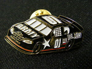 Vintage-US-Army-Stock-Car-Lapel-Pin-Pinback