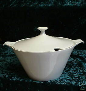 Fairwood-Schonwald-Germany-White-China-Vegetable-w-Lid