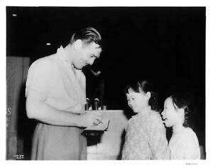 CLARK-GABLE-034-They-Met-in-Bombay-034-Original-CANDID-1941