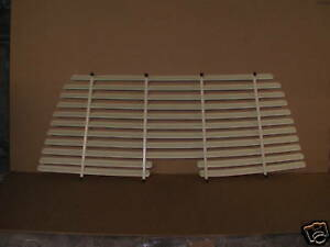 VN-VS WAGON REAR VENETIAN BLINDS / SHADES