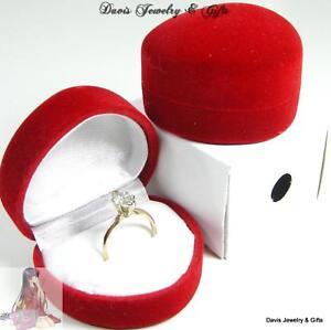 New red velvet jewelry store style heart ring gift box for Red velvet jewelry gift boxes