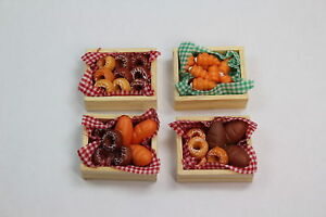 Dolls-House-4-x-Baskets-Bread-Pastries-Bagels-Bakery