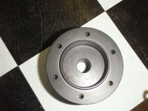 Hub-Adaptor-for-Momo-steering-wheel-19-spline-hub-6bolt