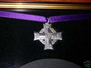 Frame-WW1-Trio-Medals-Plaque-amp-Canadian-Memorial-Cross