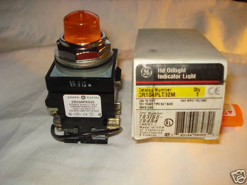 GE  CR104PLT32M  OILTIGHT INDICATOR LIGHT NOS NIB