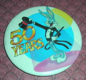 """VTG 1996 Space Jam Lola /& Bugs Bunny Metal Pin Pinback Button 1.75/"""" Warner Bros"""