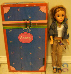 2004 MATTEL TEEN TRENDS COURTNEY DOLL + CLOTHES SHOES + BOX/CARRYING CASE is ...