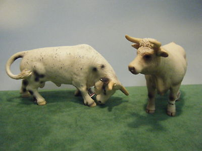 SCHLEICH-RODEO-BULL-13613-CHAROLAIS-COW-13610-SET-OF-2-NEW