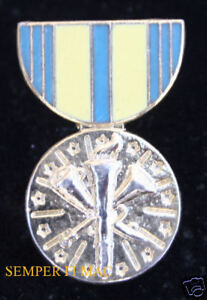 US-ARMED-FORCES-RESERVE-MEDAL-PIN-AIR-FORCE-COAST-GUARD-ARMY-NAVY-MARINES-WOW