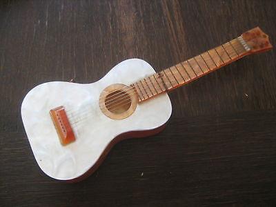 genialer 60er Jahre Vintage Kitsch Spieluhr Spieldose als Gitarre