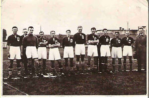 UNKNOWN-FOOTBALL-TEAM-POSTCARD-1930s