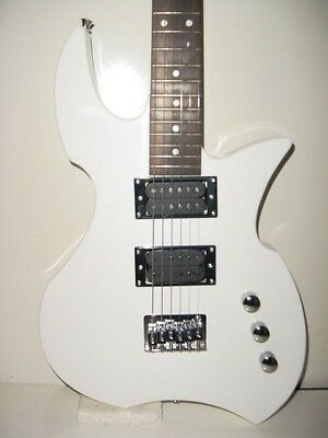 Full Size 6 String White GLEN BURTON PROWLER Electric Guitar with Gig Bag