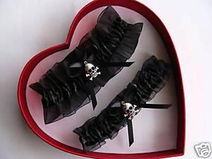 New-Halloween-Wedding-Garter-Set-BLACK-n-BLACK-Skull-Pirate-PROM-Getthegoodstuff