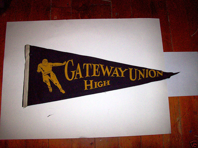 "GATEWAY UNION HIGH VINTAGE PENNANT 11 1/2"" X 30"""