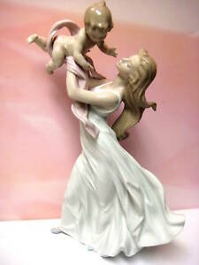 MY LITTLE SWEETIE MOTHER AND CHILD BY LLADRO  #6858