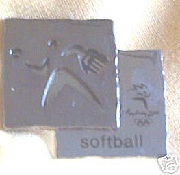 2000-OLYMPIC-SPORTS-METAL-BADGE-SOFTBALL