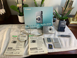 Canon Powershot Sd750 Digital Camera With 3x Optical Zoom Bundle Lot Works Great